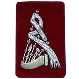 Embroidered silver wire on red cloth bagpipes insignia badge